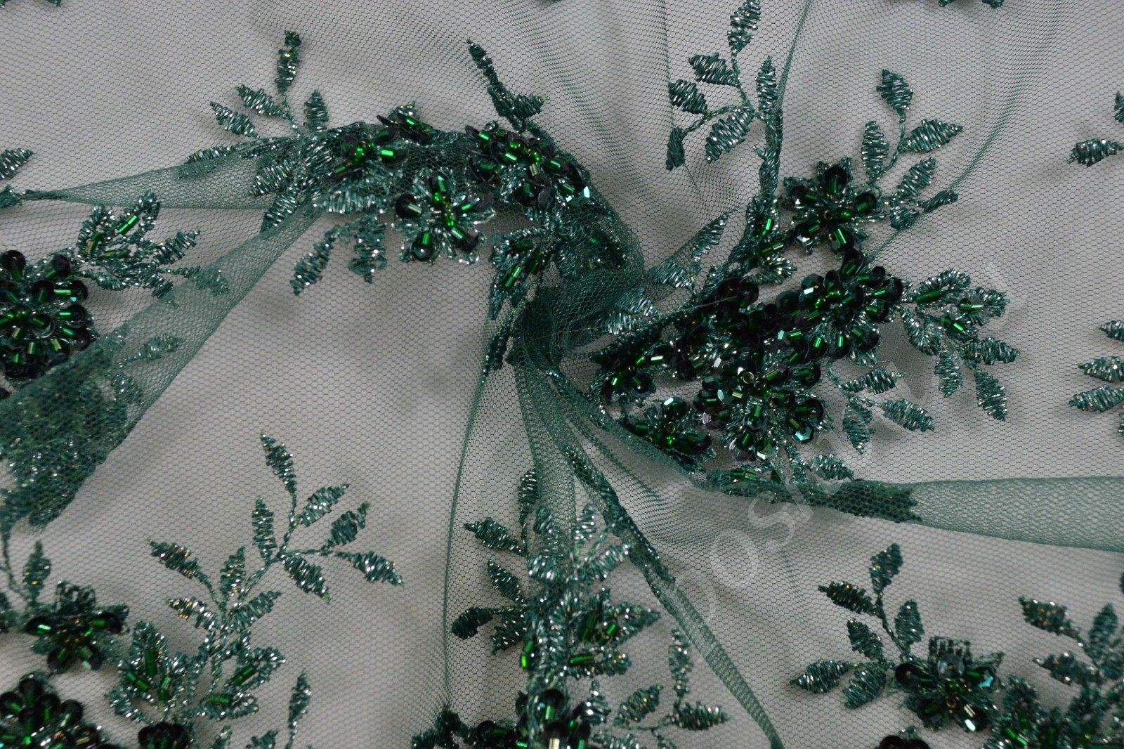 Вышивка прозрачным бисером