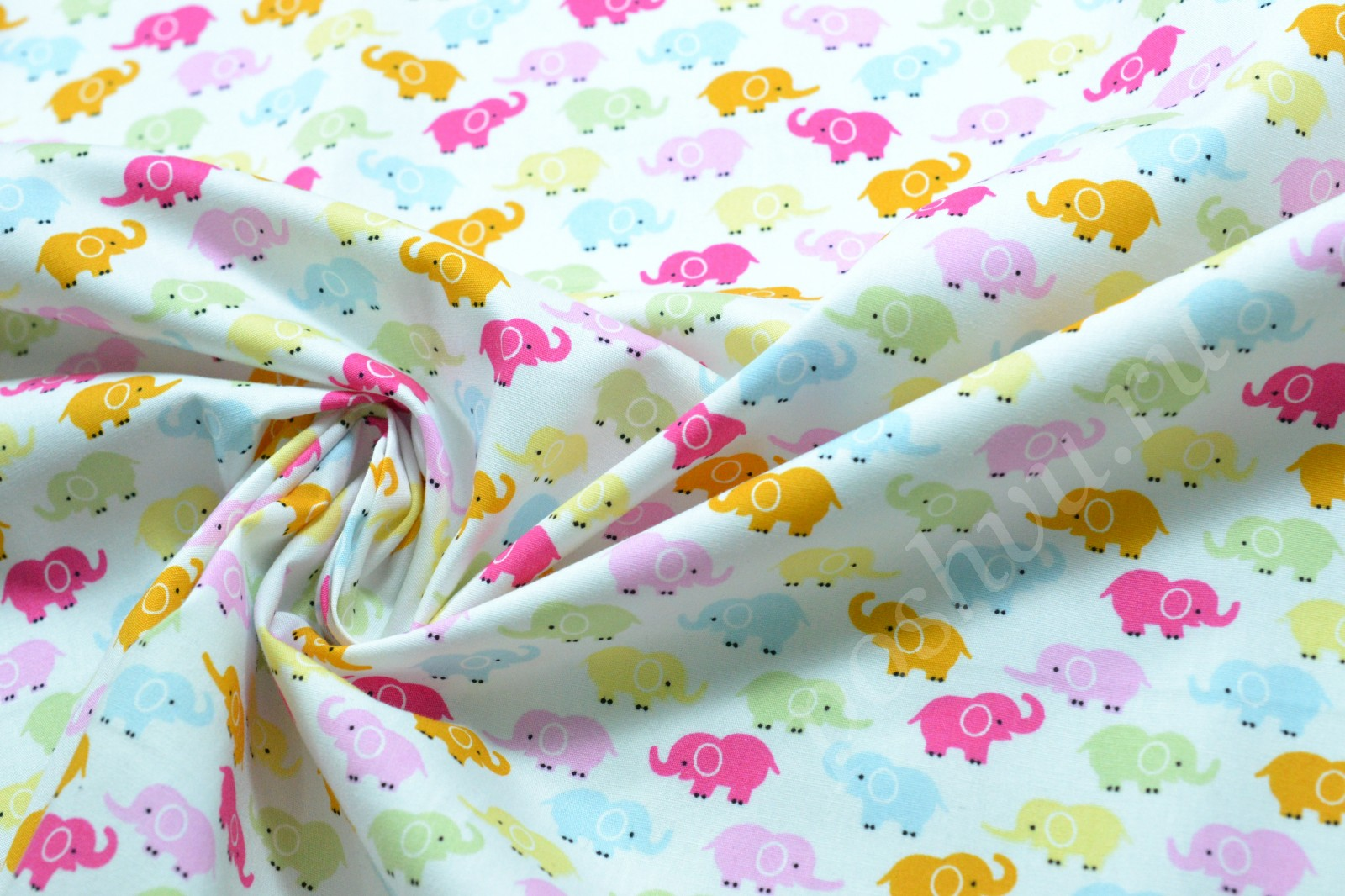 cotton fabric Makers of thoughtfully designed fabric and sewing supplies fabric designers: melody miller, rashida coleman-hale, alexia abegg, kim kight and sarah watts.