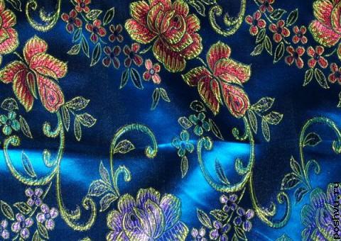 Ткань китайский шелк синий с шитьем Розовая лоза