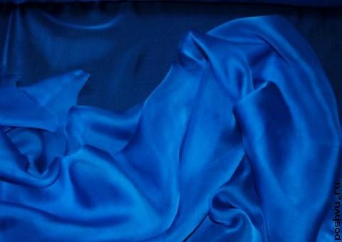 Шелковая ткань Пронзительно синяя