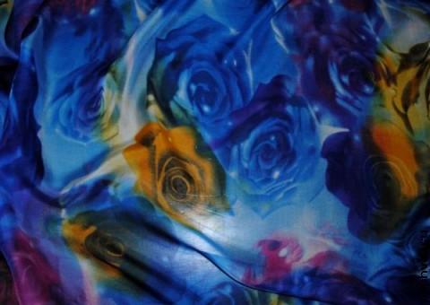 Ткань шелковый шифон Космические цветы