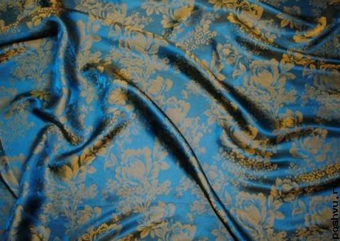 Ткань шелковый жаккард с золотым узором Георгины