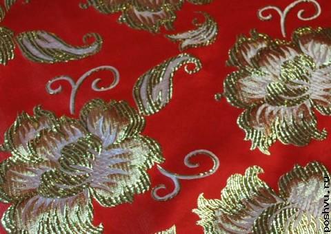 Ткань парчовая Золотые пионы