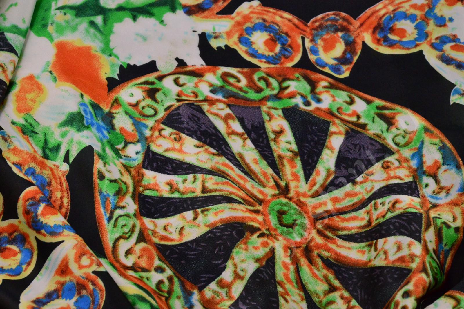 яркие ткани с набивными рисунками
