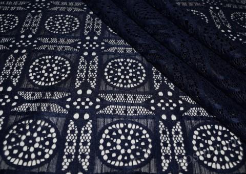 Гипюр-стрейч темно-синего цвета с орнаментом