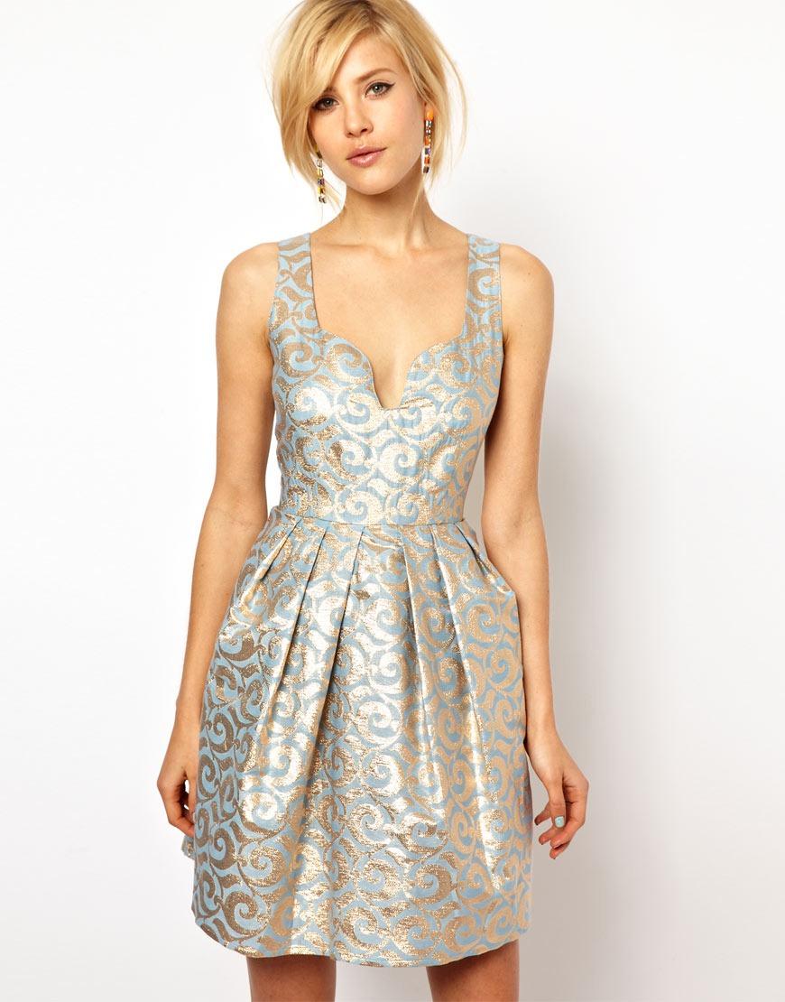 Описание жаккардового платья