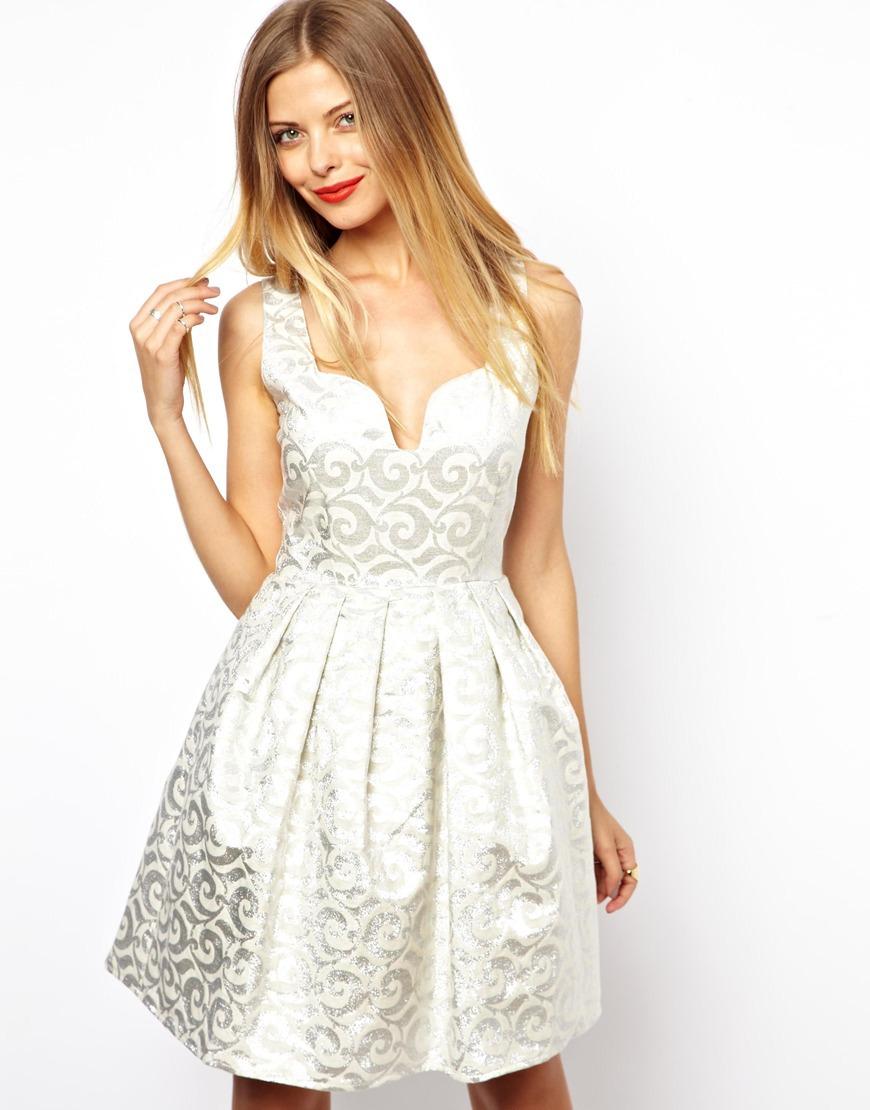 Жаккард с кружевом на платье