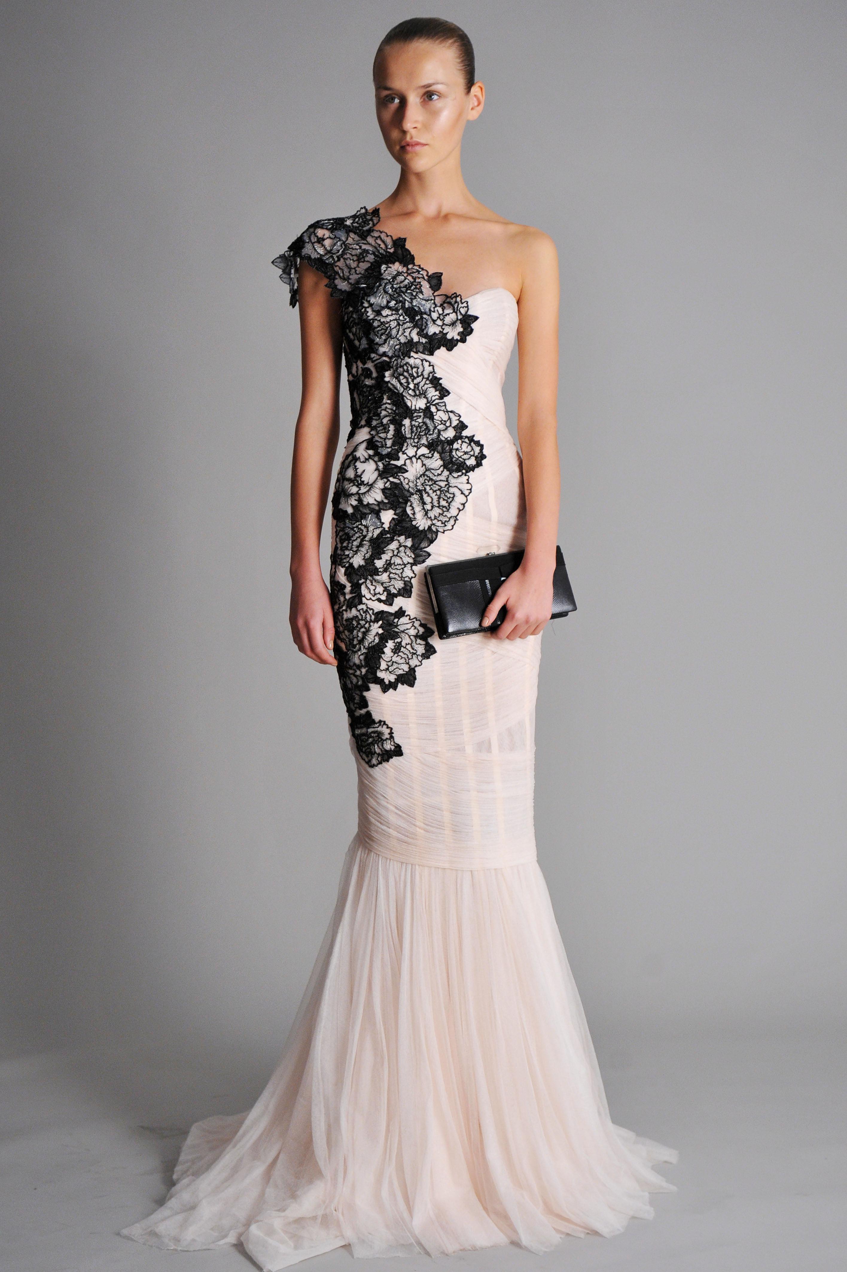 вечерние платья фото с гипюром