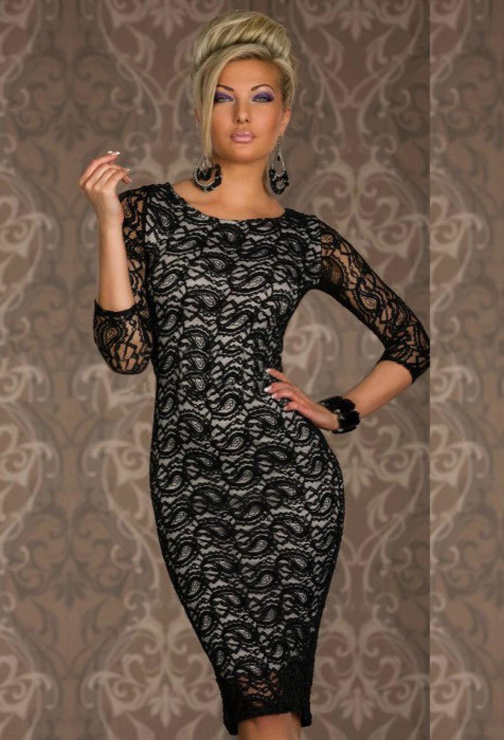 Красивое платье из гипюра