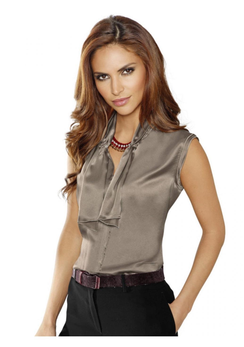1f0c98969df Оригинальные и неординарные фасоны модных шёлковых блузок на каждый день