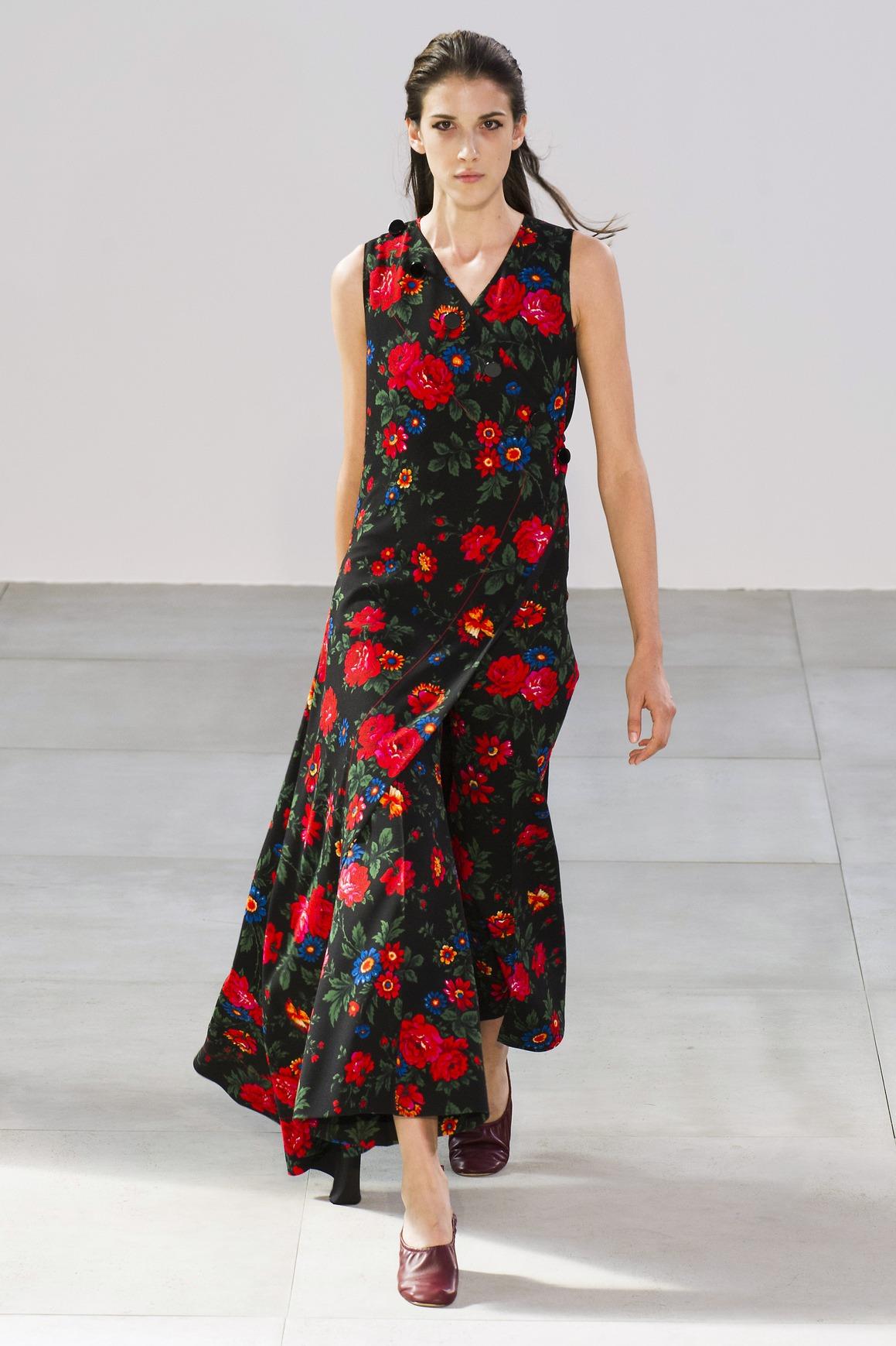 52f089e462b Красивые платья из шёлка - это оригинальность